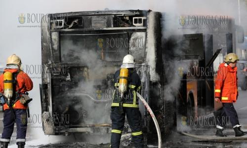 8 ноября 2016 года, София, в районе Орлового моста сгорел муниципальный транспорт перевозивший пассажиров по маршруту 306, пострадавших нет