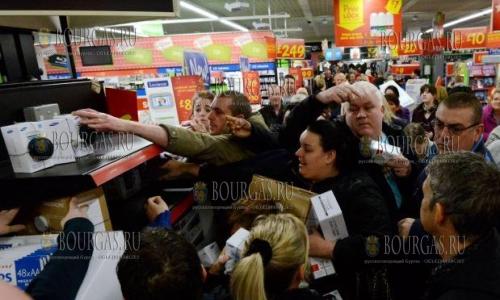 Черная пятница Болгария, 1/3 болгар готова серьезно потратится