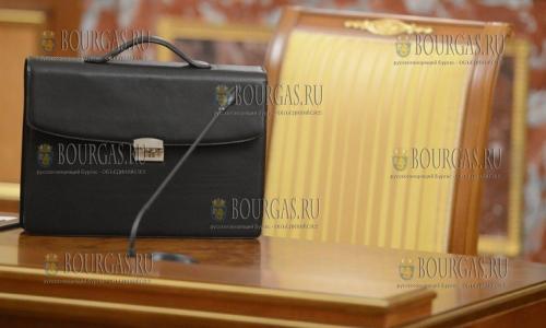 Кресла министров в Болгарии вакантны, желающих их занять нет