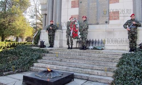 10 декабря, Плевен - храм-мавзолей Свети Георги Победоносец, в городе отметили 139-ю годовщину освобождения