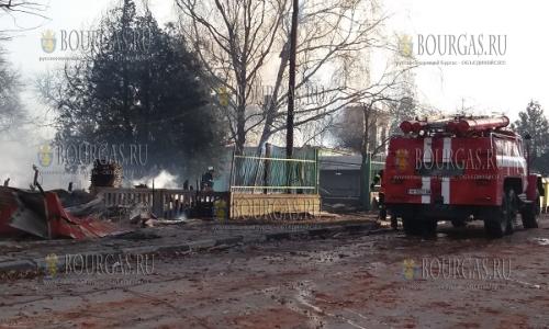 11 декабря, в селении Хитрино спасатели и пожарные устраняют последствия катастрофы, восстановление Хитрино