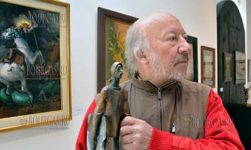 16 декабря, Варна, в городской художественной галерее открылась выставка болгасркого скульптора - Георги Чапкынов-Чапа, Взмах крыла Музы