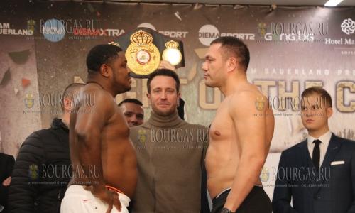 2 декабря, София, Кубрат Пулев и Самюел Питер взвесились перед боем, который пройдет 3-го декабря - болгарский боксер оказался на 8 килограмм легче нигерийца, 114,65 кг