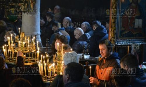 25 декабря, Благоевград храм Въведение Богородично, праздничная литургия по случаю православного праздника - Рождества Христова