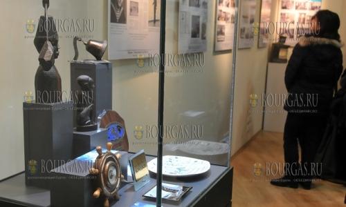 3 декабря, Морско казино в Бургасе, стартовала выставка, посвященная дню Святого Николая - Морские капитаны