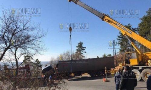 4 декабря, автотрасса Солнечный Берег - Обзор, автокатастрофа заблокировала движение автотранспорта на 4 часа в обе стороны