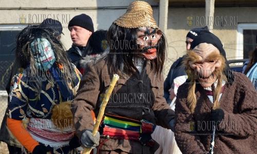 1 января 2017 года, Благоевград, традиционно 1-го января на улицах города можно встретить ряженных