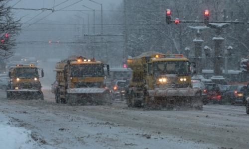 10 января 2017 года, сегодня снегоочистительная техника работает в городах Болгарии практически круглосуточно