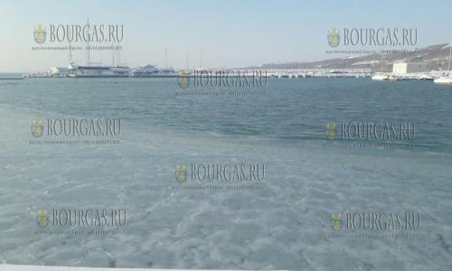 12 января 2017 года, Сарафово, здесь море частично замерзло