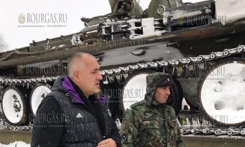 2 января 2017 года, район Карнобат и Айтос, спецтехника убирала снег с автотрасс под руководством Бойко Борисова