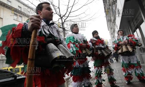 23 января 2017 года, галерия Средец в Софии, на улице ряженые развлекали прохожих