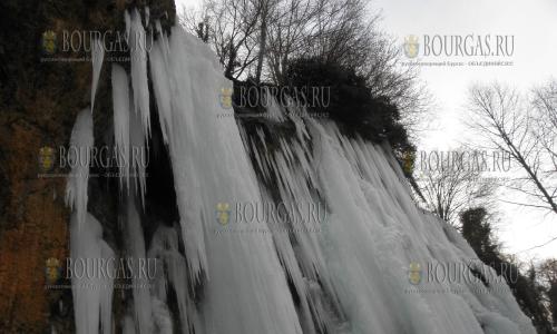 4 января 2017 года, кюстендильское село Смоличано - замерз водопад Света Ана