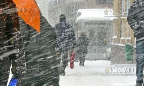 Болгария желтый код, снег и ветер в Болгарии
