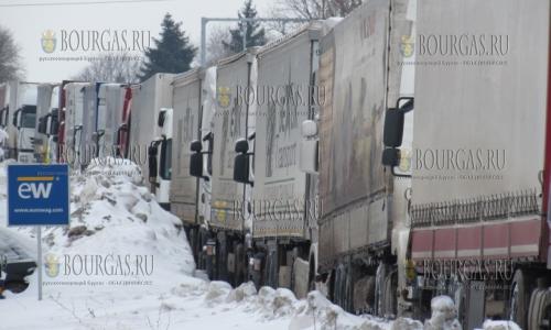 Болгарские водители заблокировали Дунай мост 2