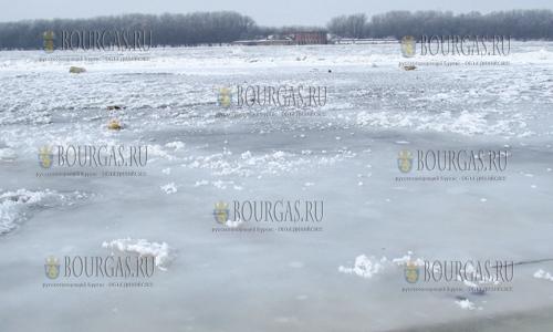2 февраля 2017 года, Русе, здесь впервые за многие годы Дунай замерз полностью, Дунай у города Русе
