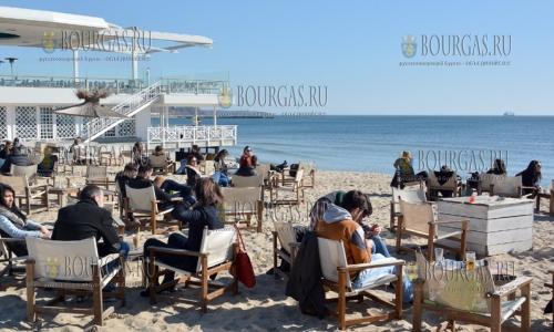 24 февраля 2017 года, Варна, сегодня на пляже было солнечно, комфортно и по весеннему тепло