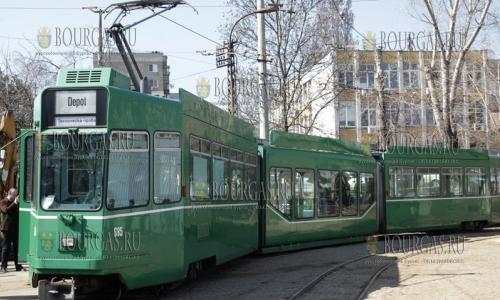 21 марта 2017 года, София, с апреля в городе будут курсировать трамваи, которые, согласно проекта - Осовремененные трамваи для города София, прибывают из Швейцарии