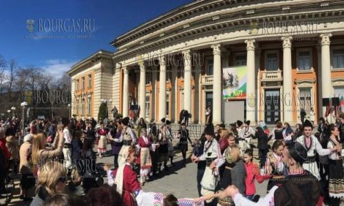 3 марта 2017 года, Перник, массовые гулянья по случаю Национального праздника Болгарии