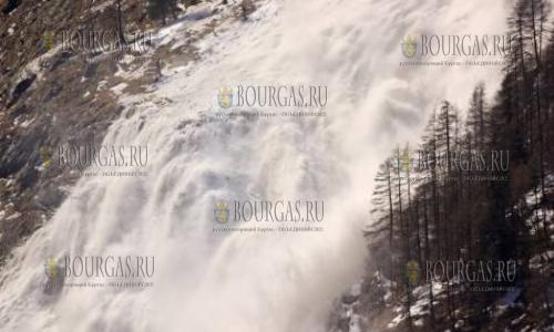 В Банско под лавиной погиб лыжник