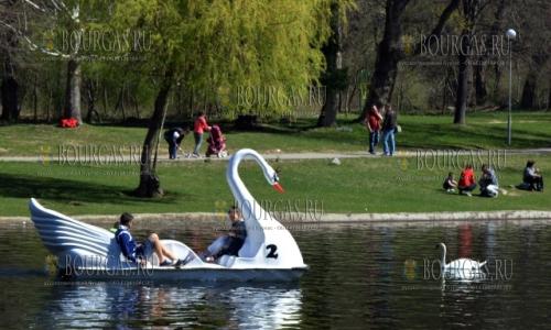 2 апреля 2017 года, Благоевград, по настоящему весенняя и солнечная погода порадовала местных жителей в эти выходные