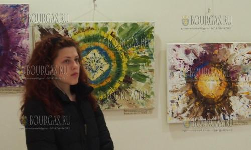 4 апреля 2017 года, галерея Экономического университета Варны, здесь начала работать выставка Сотворенное, авторы работ учащиеся гимназии Раковского