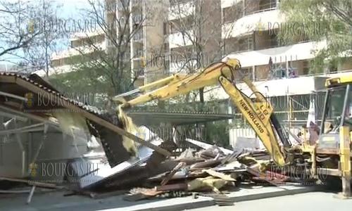 На Солнечном Берегу сносят незаконные постройки