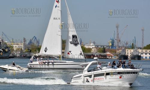 5 мая 2017 года, Варна, здесь сегодня провели торжественное водосвятие и первый спуск на воду новых спортивных лодок