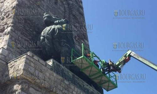 Бронзовых Львов на Шипке отправят на ремонт