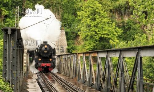Сегодня, в Гергьовден ретро-поезд в Болгарии перевозил пассажиров между станциями Горна Оряховица и Трявна