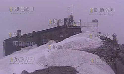 В летний сезон в Болгарии выпал снег