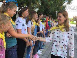Николина Ангелкова побывала в детских лагерях Северного Причерноморья