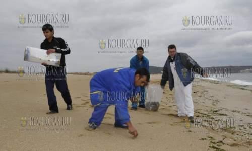 Пляж в Синеморце оказался загрязнен