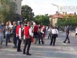 Жители Обзора перекрыли магистраль Бургас-Варна
