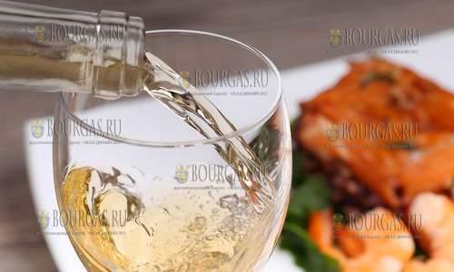 фестиваль рыбы и вина в Бургасе