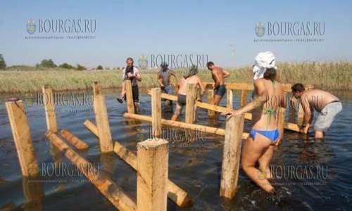 В южной части Атанасовского озера создали самую большую птичью платформу в Болгарии
