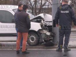 в Бургасе в ДТП столкнулись легковой автомобиль и троллейбус