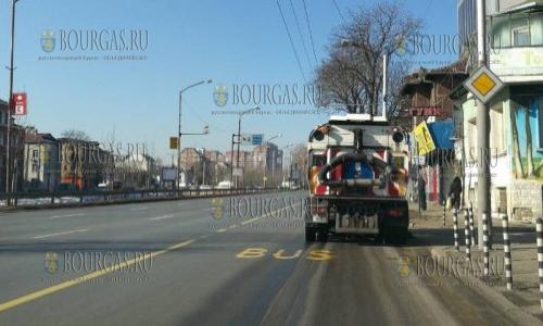 В Софии в экстренном порядке метут, чистят и моют улицы