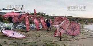 буря на пляже Крайморие в Бургасе