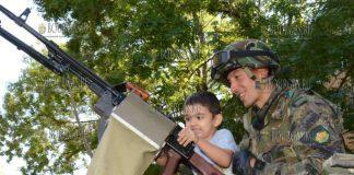 По случаю Дня Независимости Болгарии - в нескольких городах страны показали военную технику