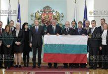 27 болгарская Антарктическая экспедиции получила из рук Румена Радева флаг Болгарии