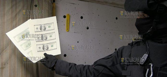 В столице Северного Причерноморья Болгарии в ходе спецоперации, сотрудники полиции и Специализированной прокуратурой вывили типографию, в которой изготавливались фальшивые доллары США