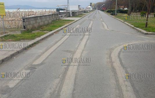 Велоаллея на Крайбрежной набережной в Бургасе для велосипедистов пока недоступна