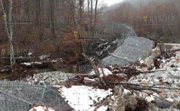 Ливни и оползни разрушили часть забора на болгаро-турецкой границе