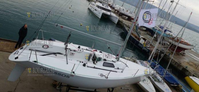 В Варне впервые построили яхту класса Четвертьтонник