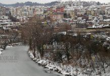 В Велико-Тырново практически замерзла река Янтра, январь 2019 года