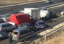между Сандански и Дамяница в направлении Софии произошло ДТП в которое попали более 20-ти авто