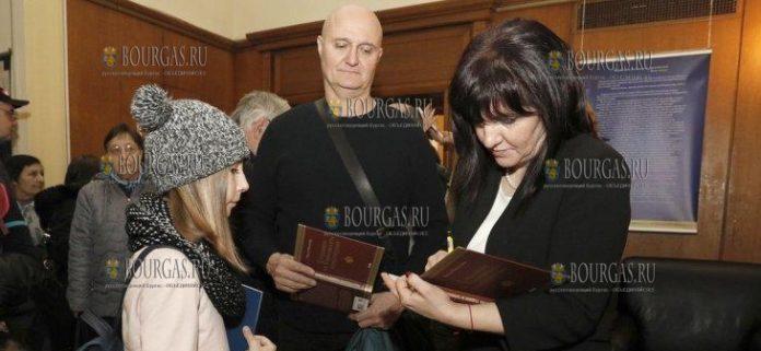 Председатель Наробного Собрания - Цвета Караянчева, в день открытых дверей