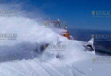 В Болгарии приступили к расчистке проезда на Троянском перевале