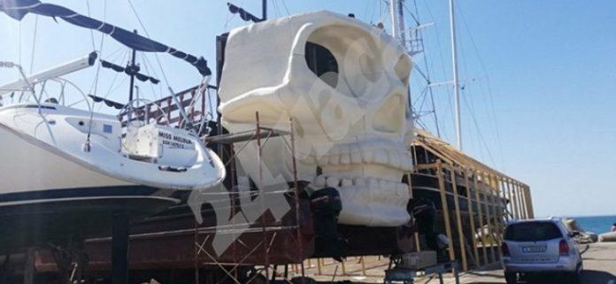 В Поморие пиратский корабль