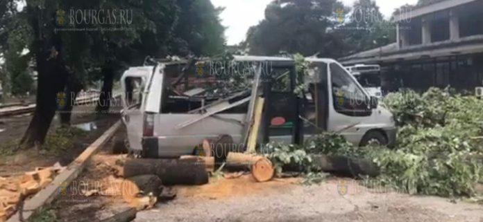Буря ударила по населенному пункту Трявна в Болгари
